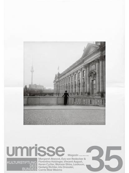 """Titelbild von Magazin 35 mit Aufschrift """"umrisse"""" und Schwarzweißfoto von Berliner Architektur"""