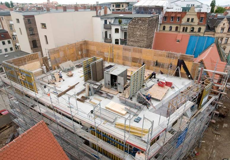 Blick auf ein sich im Bau befindendes oberes Geschoss
