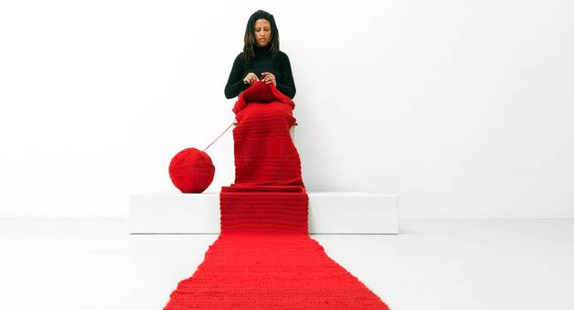 Fonds TURN Projekt: Lerato Shadi, Mosaka wa nako, 2014, Performance im Neuen Berliner Kunstverein