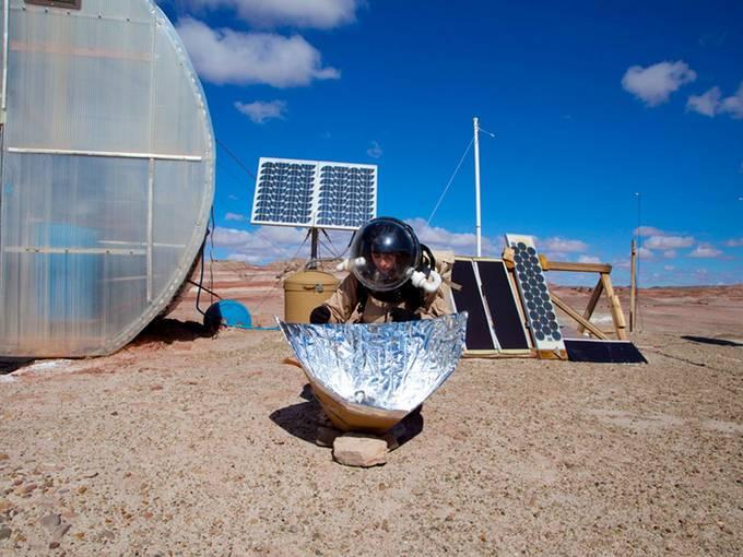 Valentina Karga: Photo documentation from the project 15 days on Mars, Valentina Karga, 2012. photo: © Pieterjan Grandry