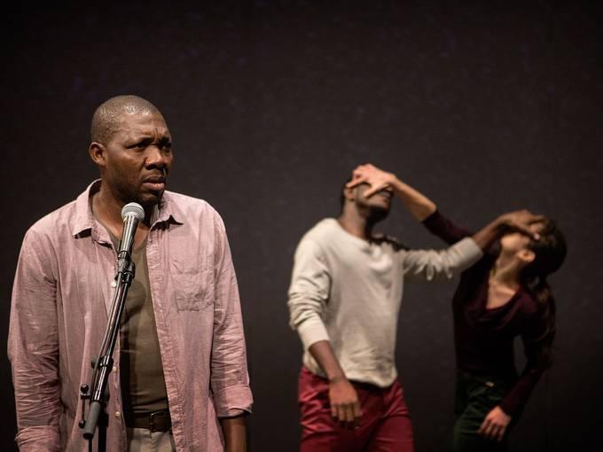 """Szene aus der Produktion """"Fin de machine / Exit. Hamlet"""", Foto: Stephan Glagla"""