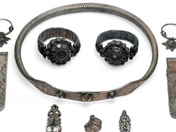 Čađavica Gde. Virovitica, Kroatien. Schmuckset aus Silber, wahrscheinlich Grabfund, 6.-7. Jh.; Archäologisches Museum Zagreb