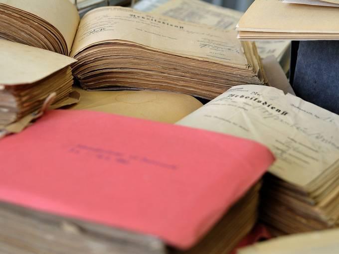 Dokumente zum Konzentrationslager Buchenwald im Archiv der Gedenkstätte. Foto: Claus Bach, Sammlung Gedenkstätte Buchenwald