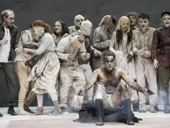 """Theatertreffen 2014, © Armin Smailovic, """"Zement"""" von Heiner Müller, Regie: Dimiter Gotscheff, Residenztheater, München"""